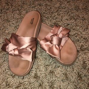 Mossimo Pink Bow Sandals - Women's Size 8